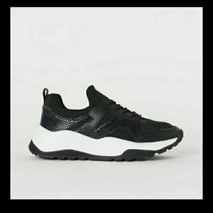 H&M BLACK IN MESH FAUX LEATHER SNEAKERS